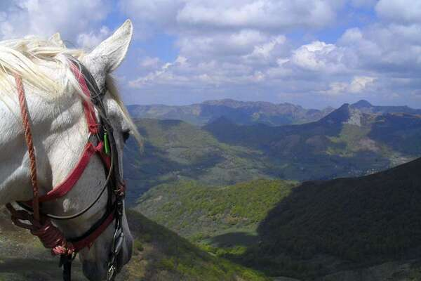 Le Cantal à cheval